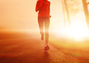 Alergatoare alergare femeie care alearga sursa foto senseandcentsibility.areavoices punct com