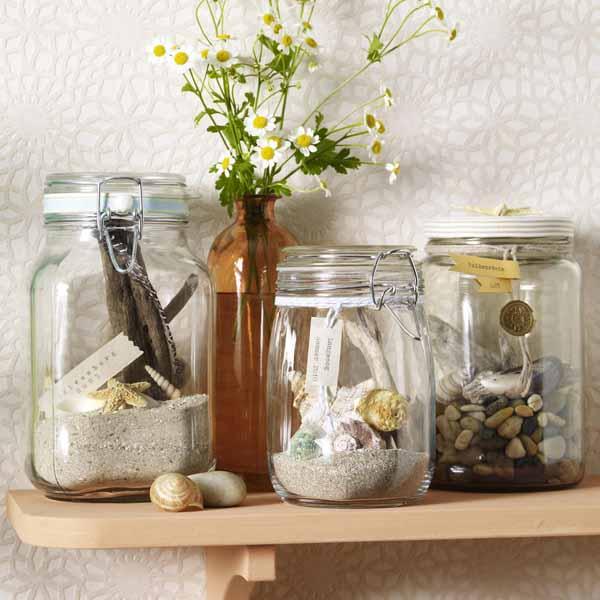 Decor de vara in casele noastre for Glass bottle display ideas