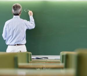 profesor la tabla elevi