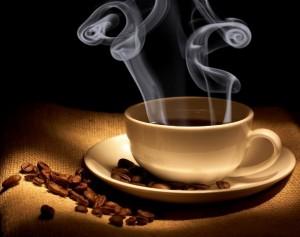 ceașcă de cafea aburind evenimente oradea boabe de cafea fierbinte