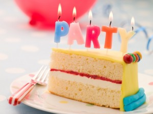 tort petrecere aniversare copii lumanari