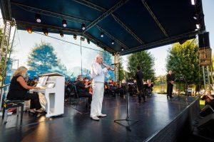 concert, in parc, iulius mall,